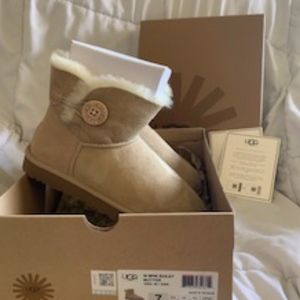 Ugg Mini Bailey Button Boots - Size 7